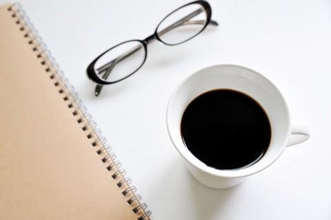 を 下げる は 尿酸 コーヒー に 値